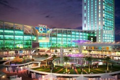 NOIDA WORLD ONE :Retail Night